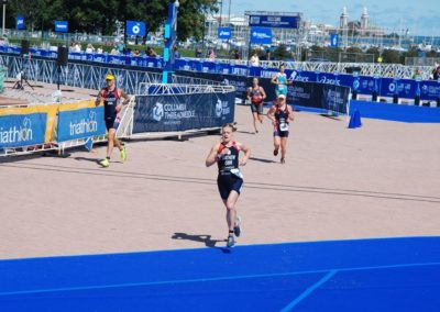 Alys Mathew competing in the World Triathlon Championships in Chicago in 2015.